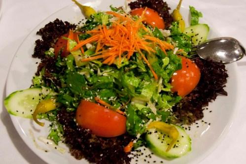 Σαλάτα Κηπουρού στο base Grill