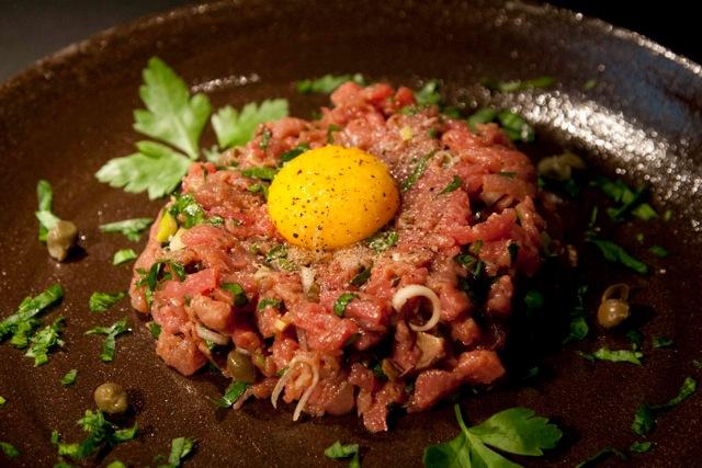 το απόλυτο Steak Tartare - στέικ ταρτάρ με μοσχαρίσιο φιλέτο