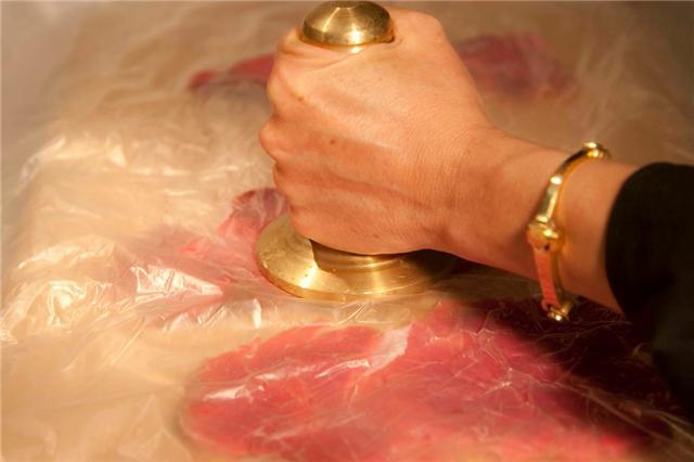 καρπάτσιο: προετοιμασία κρέατος (κτύπημα)